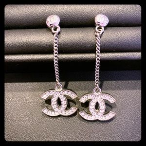 🔥✨AUTHENTIC CHANEL EARRINGS ‼️❤️💋✨